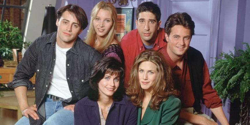"Friends: Πόσο αξίζουν σήμερα τα αγαπημένα μας ""φιλαράκια""; Δείτε πόσα εκατομμύρια δολάρια έχουν σήμερα οι τραπεζικοί τους λογαριασμοί."