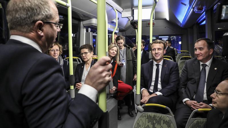 Σουηδία: Οι πολιτικοί που τολμάνε να σπαταλούν δημόσιο χρήμα πληρώνοντας ταξί, αντί να χρησιμοποιούν το τρένο, καταλήγουν στα πρωτοσέλιδα.